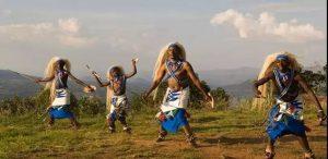 卢旺达当地人民热情好客