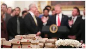 """护照丢了找麦当劳帮忙!奥地利的麦当劳餐厅变成""""迷你美国使馆""""了"""